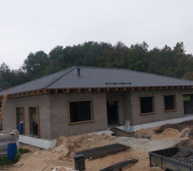 Kattoristikkojen asennus ja kattotiili asennus Protector